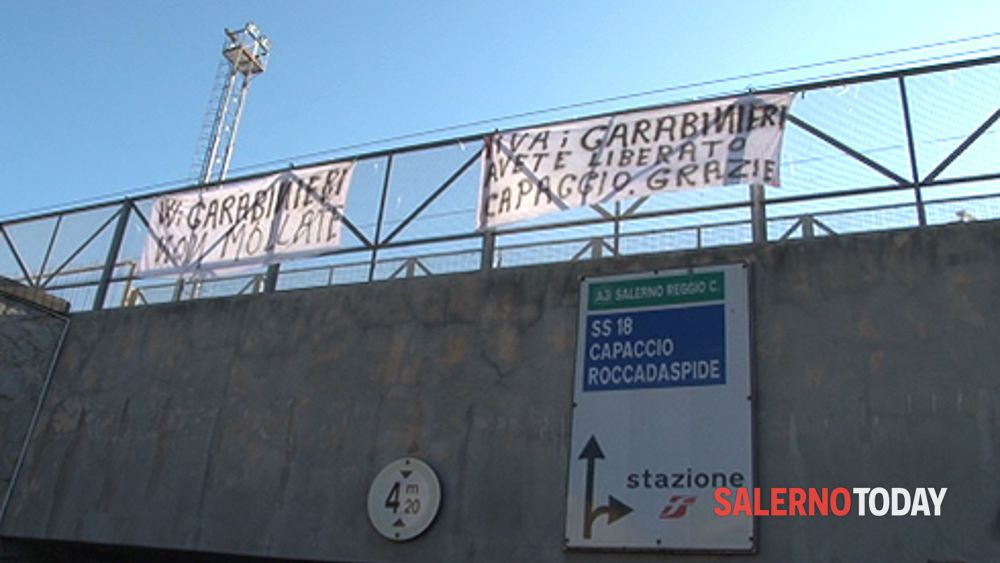 StriscioniCarabCapaccio-2