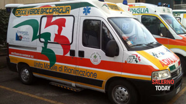 Incidente tra due auto sull'A2, all'altezza di Montecorvino: 2 feriti