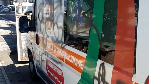 Vandali ambulanza 4-2