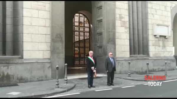 Bandiere a mezz'asta anche a Salerno: il commento del sindaco