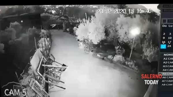 Ladri in azione a Brignano: ecco il video