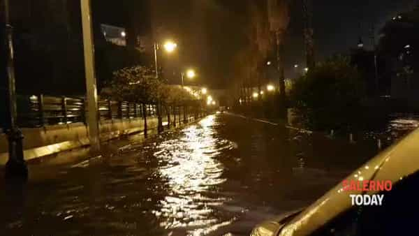 Via Ligea come un fiume in piena: il video di Gerardo Scafuro