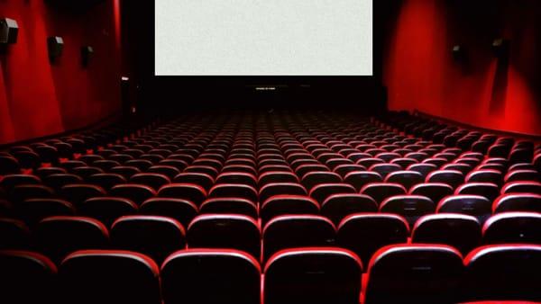 La settimana del cinema: il 19 maggio, film no stop, caffé e cornetto all'alba
