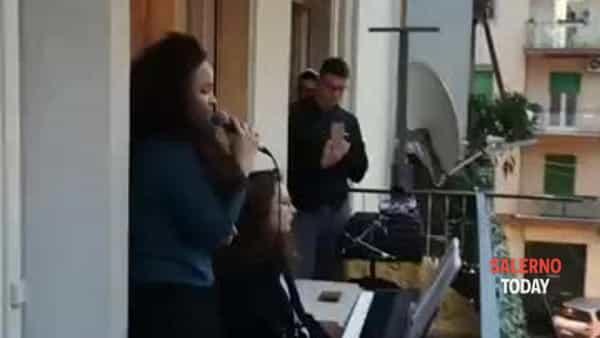 Concerto ai tempi del Coronavirus: le sorelle Chiara e Simona Della Monica incantano Pastena