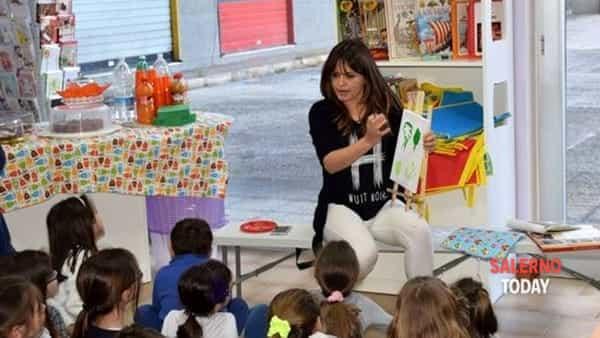 Fa tappa in costiera il progetto itinerante di arte per bambini «Luna part»