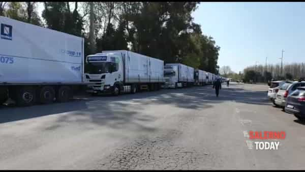 Reparto Covid-19: l'arrivo dei camion a Salerno
