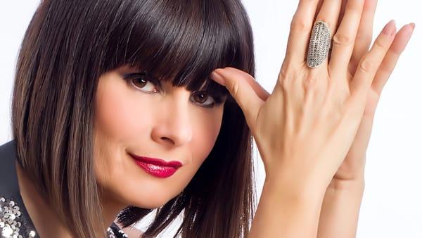 Venerdì 30 dicembre, al Maximall di Pontecagnano, Silvia Mezzanotte Matia Bazar in concerto
