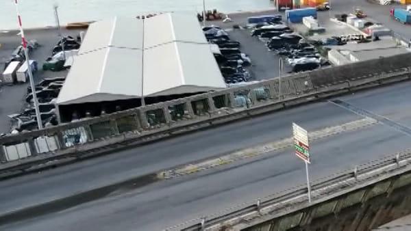 Viadotto Gatto, i residenti esasperati dal rumore dei camion