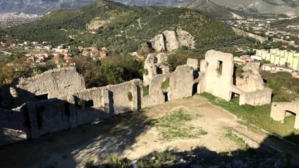 """""""Visitiamo il Castello"""": apertura straordinaria e performance teatrale"""