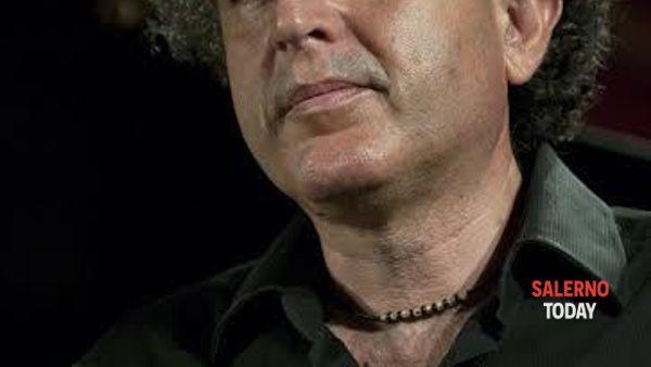 Francesco Nicolosi sul palco di Villa Guariglia a Vietri