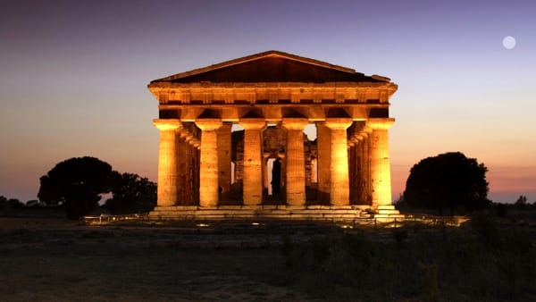Notti magiche a Paestum con tante iniziative: ecco il programma