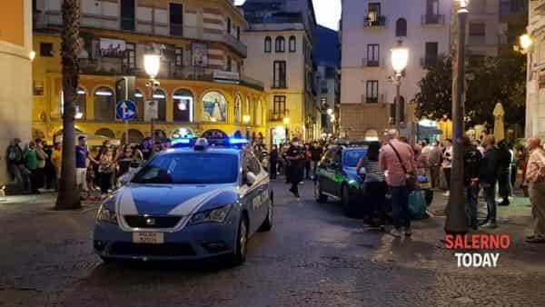 L'arrivo della Polizia (Foto Gerardo Scafuro)-2