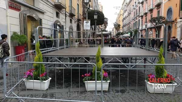Il palco dell'accensione dell'albero-2