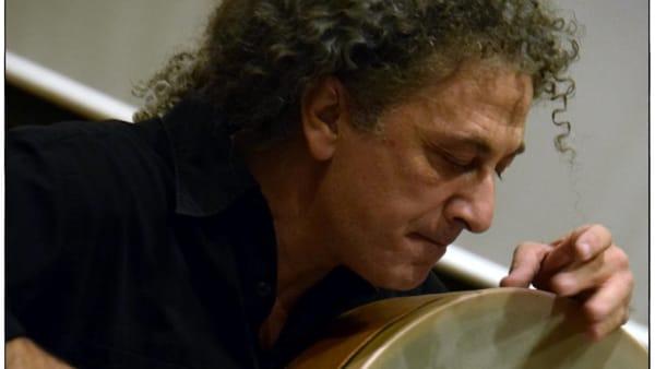 Concerti in Luci d'Artista: il 23 dicembre, i tamburi di Cimmino sulla spiaggia di Santa Teresa