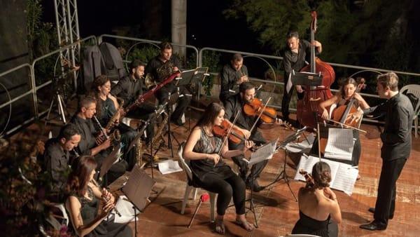 """""""Visioni in Musica"""": il 26 maggio, concerto finale della Orchestra Filarmonica Campana"""