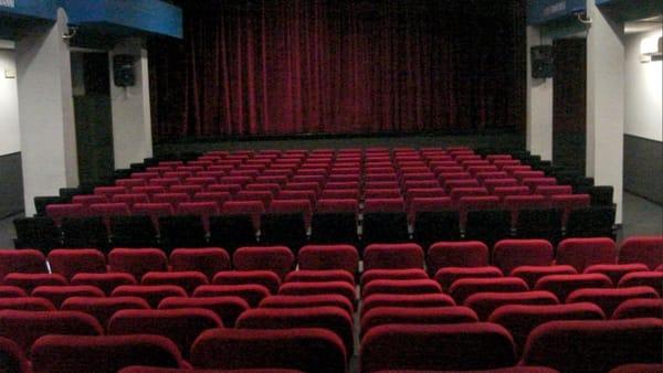 """Comincia """"Santa Margherita Arte e Teatro"""": risate sotto le stelle"""