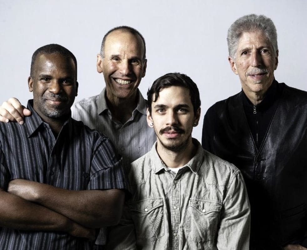The Yellowjackets in concerto