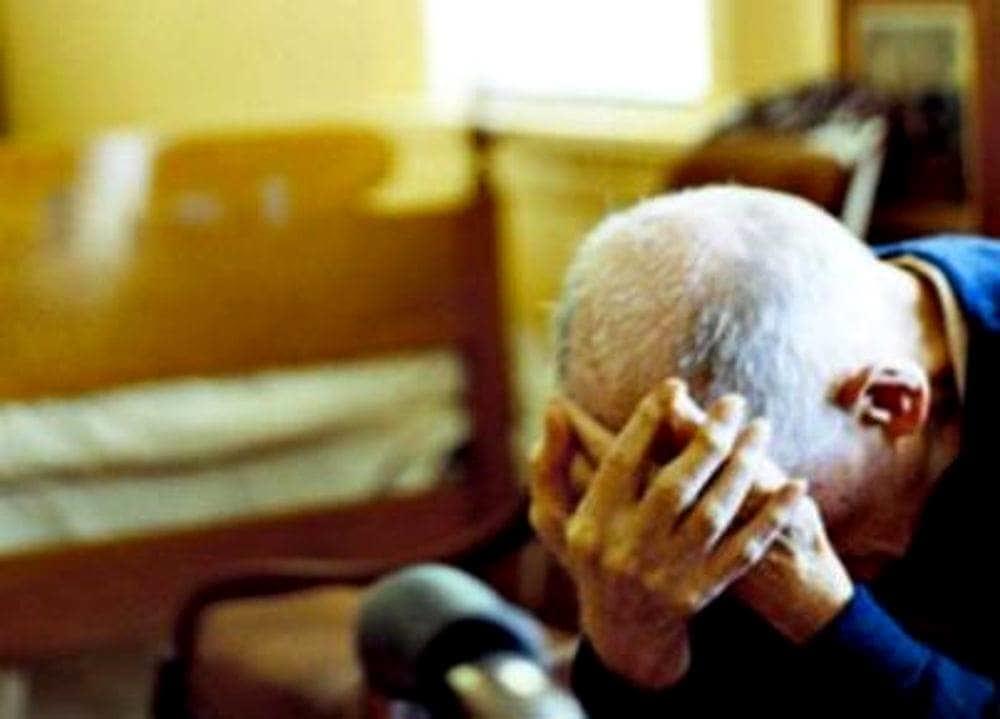 Pagani, spillò migliaia di euro ad anziano fingendo favore al figlio: condannato a 3 anni